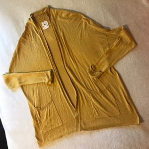 Billabong mustard cardigan